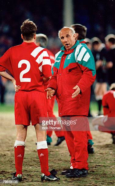 13th April 1992 FA Cup SemiFinal Replay Liverpool 0 v Portsmouth 0 aet Liverpool win 31 on penalties Ronnie Moran the Liverpool Acting Manager talks...