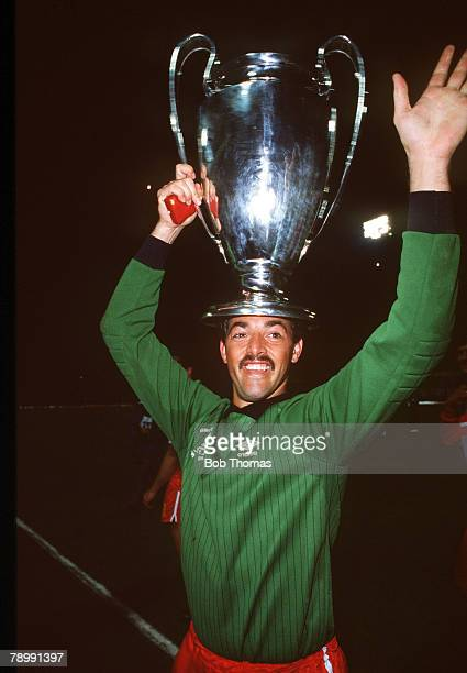 13th May 1984 European Cup Final in Rome Liverpool beat Roma 42 on penalties Liverpool's Bruce Grobbelaar with the European Cup