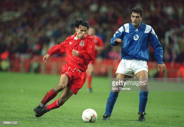 13th October 1993 World Cup Qualifier in Cardiff Wales 2v Cyprus 0 Ryan Giggs of Wales left on the attack