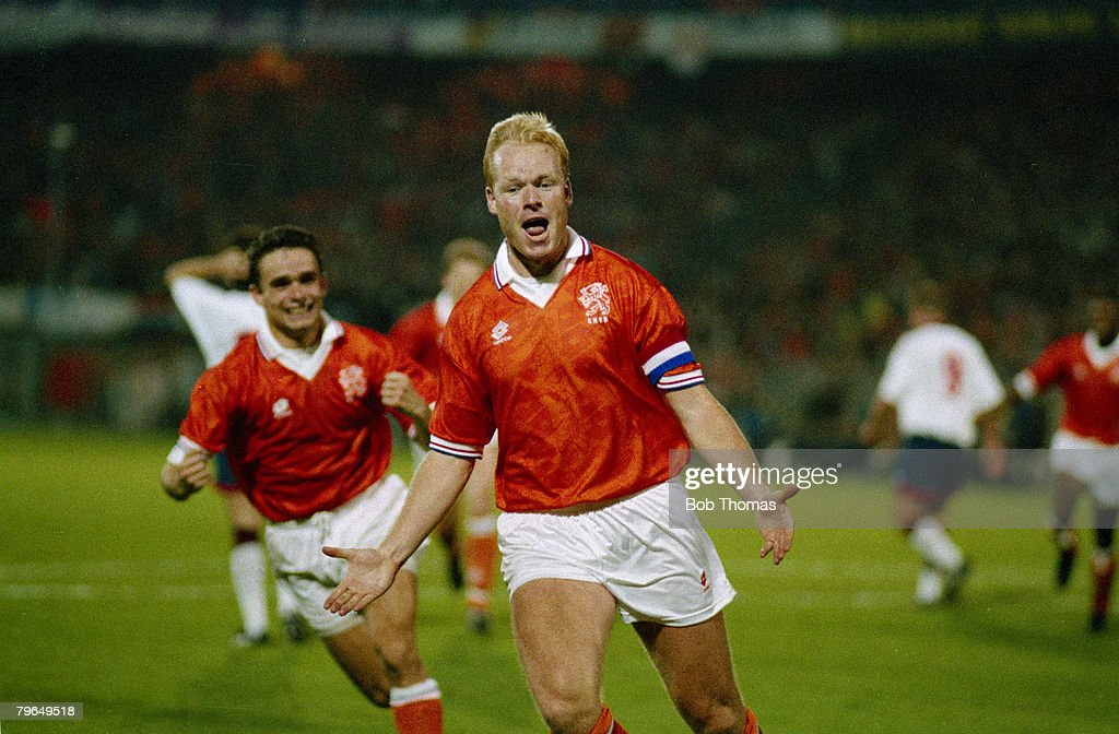 Sport, Football, pic: 13th October 1993, World Cup Qualifier, Rotterdam, Holland 2 v England 0 : News Photo