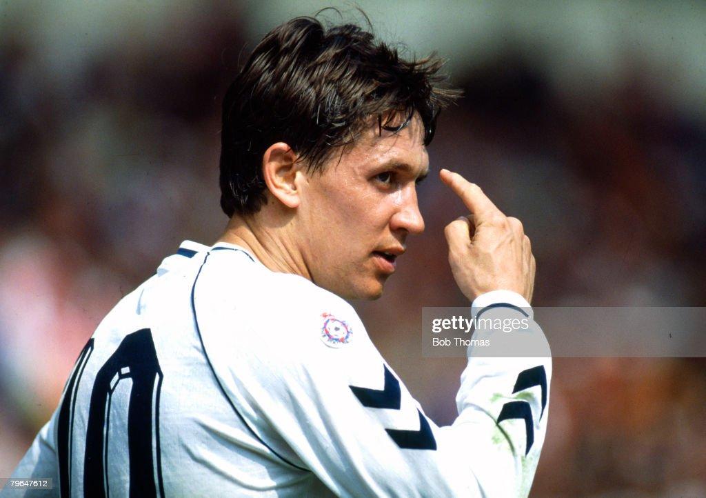 BT Sport, Football, pic: 14th April 1991, FA,Cup Semi-Final at Wembley, Arsenal 1 v Tottenham Hotspur 3, Tottenham Hotspur's Gary Lineker, Gary Lineker, one of England's best ever strikers, won 80 England international caps between 1984-1992 : News Photo