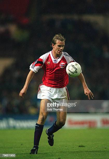 14th October 1992 World Cup Qualifier England 1 v Norway 1 Henning Berg Norway