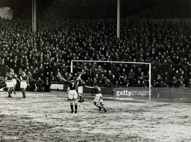 15th February 1956 FA Cup 4th Round 4th Replay at White Hart Lane Tottenham Chelsea 2 v Burnley 0 Chelsea players Roy Bentley and Jim Lewis celebrate...