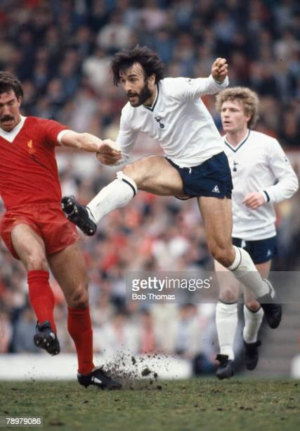 15th May 1982 Division 1 Liverpool 3 v Tottenham Hotspur 1 Tottenham Hotspur's Ricardo Villa shoots past Liverpool's Graeme Souness