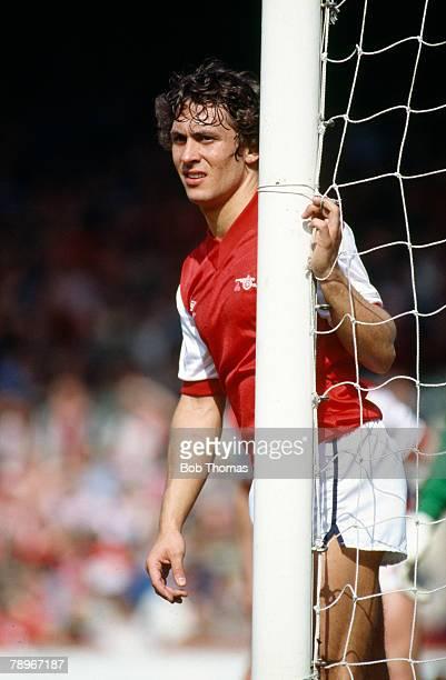 16th April 1983 FA Cup SemiFinal at Villa Park Manchester United 2 v Arsenal 1 Kenny Sansom Arsenal full back 19801989 Kenny Sansom also won 86...