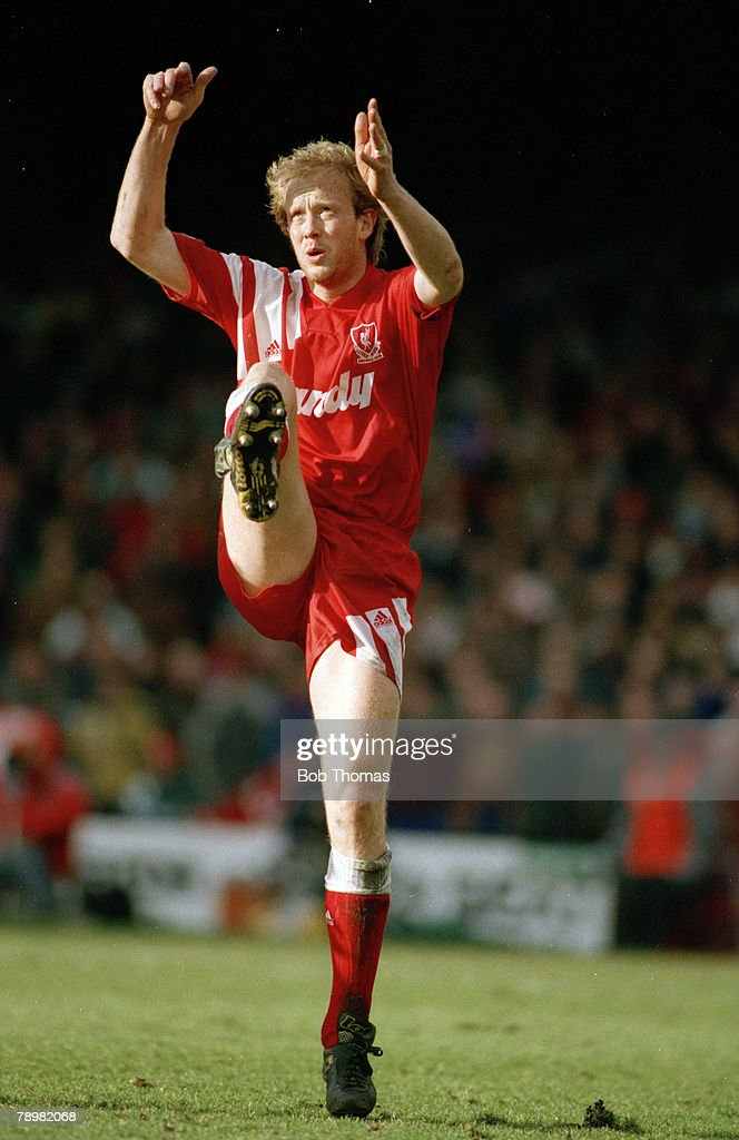Sport. Football. pic: 16th February 1992. FA. Cup 5th Round. Ipswich Town 0 v Liverpool 0. Mark Wright, Liverpool central defender 1991-1998. Mark Wright, won 45 England international caps between 1984-1996. : News Photo