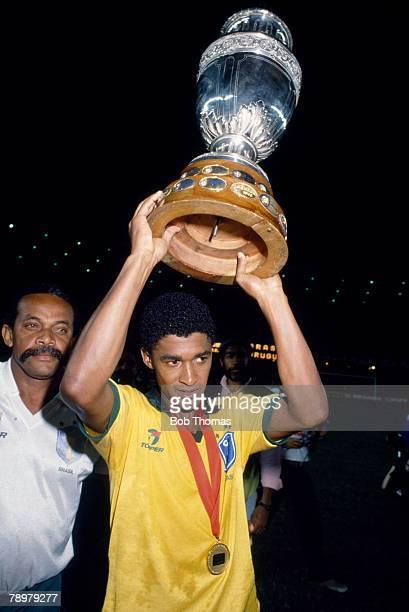 16th July 1989 The Copa America Rio de Janeiro Brazil 1 v Uruguay 0 Brazil's Filho Valdo holds aloft the trophy