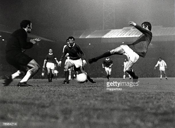 16th October 1968 World Club Championship 2nd Leg at Old Trafford Manchester United 1 v Estudiantes 1 Estudiantes win 21 on aggregate Manchester...