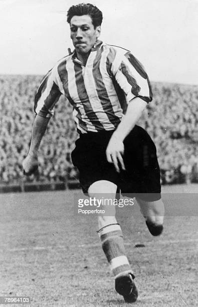 17th November 1954 Len Shackleton Sunderland forward one of the best goalscorers of his time and capped by England on 5 occasions between 19491955
