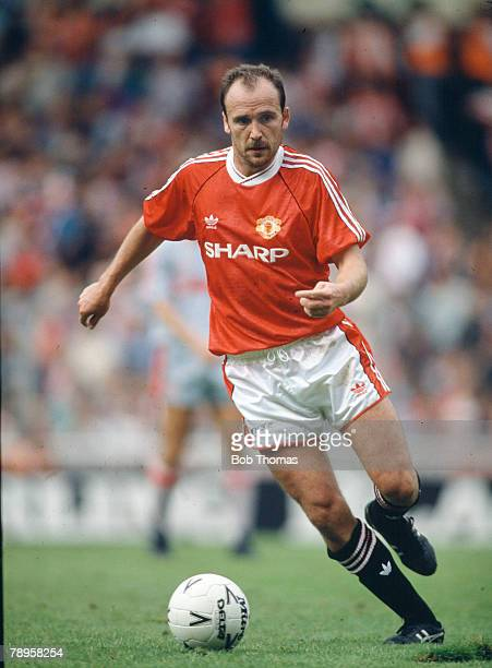 18th August 1990 FA Charity Shield at Wembley Liverpool 1 v Manchester United 1 Mike Phelan Manchester United 19891994