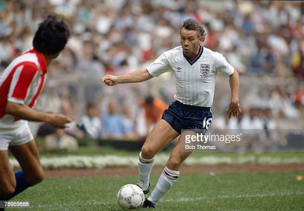 18th June 1986 1986 World Cup Finals in Mexico England 3 v Paraguay 0 Peter Reid England