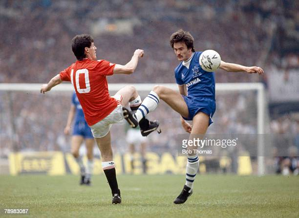 18th May 1985 FA Cup Final at Wembley Everton 0 v Manchester United 1 aet Manchester United's Frank Stapleton left and Everton's Derek Mountfield...