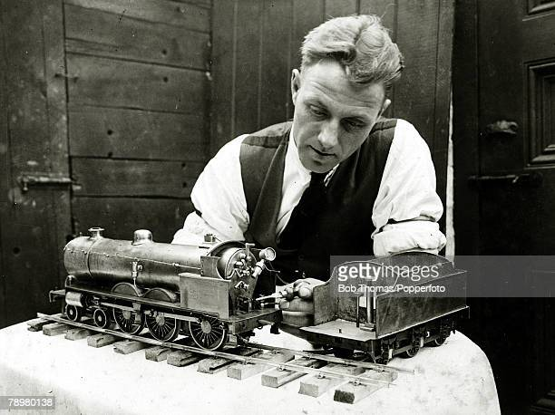1930 Wolverhampton Wanderers captain Wilf Lowton with a model engine which he had just completed after 2 years work Lowton joined Wolves in 1929 from...
