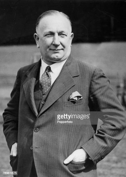 1931 Arsenal Manager Herbert Chapman Herbert Chapman made Arsenal the top side in England in the 1930's having both League Championship and FA Cup...