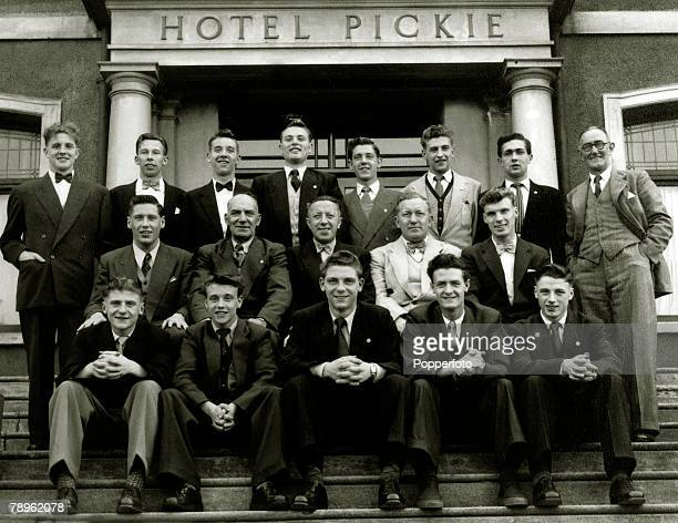 1953 1954 Manchester United Youth Team in BangorNorthern Ireland at the Hotel Pickie Back row lr Ian Greaves Walter Whitehurst Tommy Barratt Gordon...