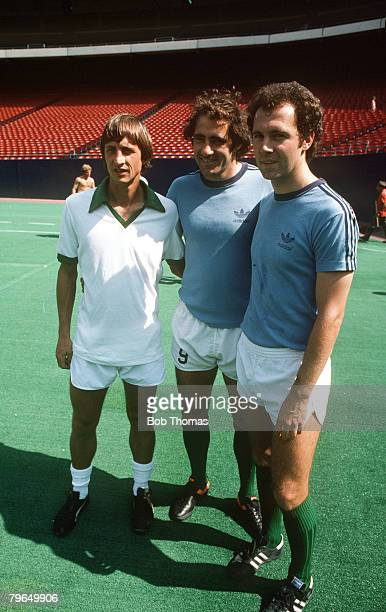 1979 Johan Cruyff left who played a number of exhibition games for New York Cosmos pictured with Cosmos stars Giorgio Chinaglia and Franz Beckenbauer...