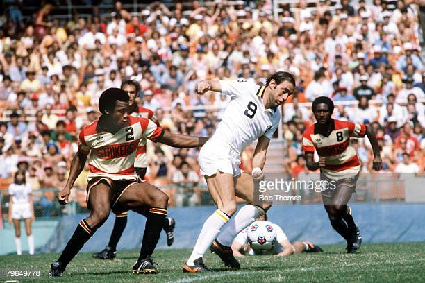1980 NASL Soccer Bowl Georgio Chinaglia New York Cosmos on the ball as Fort Lauderdale's Arsene Auguste challenges