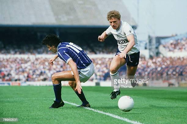 1984 Division 1 Tottenham Hotspur 2 v Leicester City 2 Tottenham Hotspur's Micky Hazard beats Leicester City's Paul Ramsey