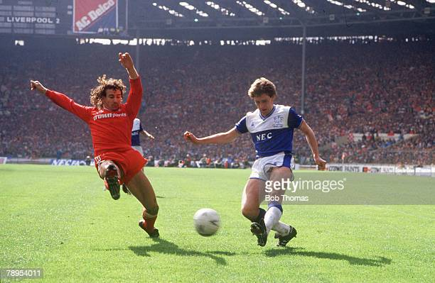 1986 FA Cup Final at Wembley Liverpool 3 v Everton 1 Liverpool's Craig Johnston left stretches to challenge Everton's Kevin Sheedy