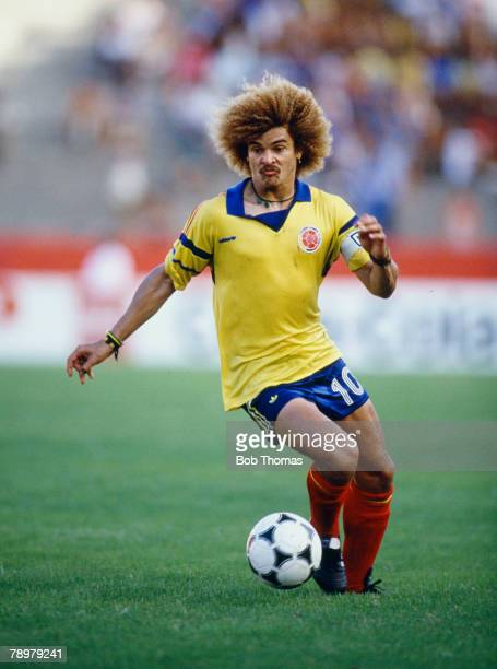 1989 The Copa America Peru 1 v Colombia 1 Carlos Valderrama Colombia who was one of the great players winning 111 international caps for Colombia