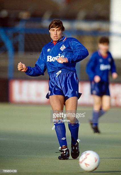 1990 Division 2 Paul Warhurst Oldham Athletic 19881991 who operated both as a defender and striker one of the journeymen of English football
