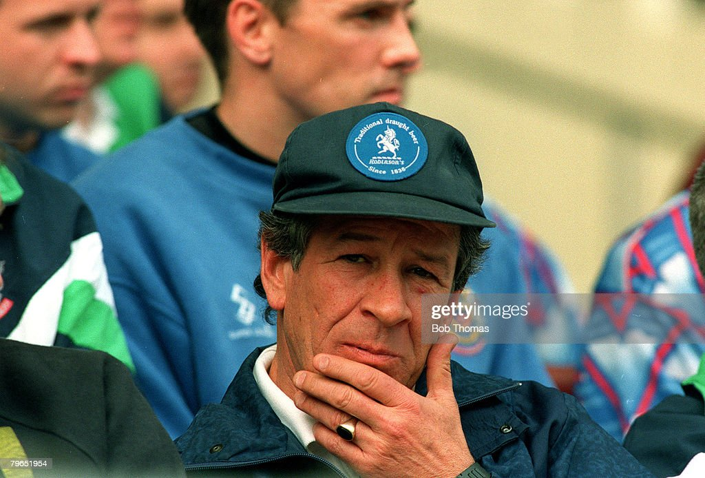 Sport, Football, pic: 1994, Division Two, Burnley beat Stockport County, Danny Bergara, Stockport County Manager from 1989-1995 : News Photo