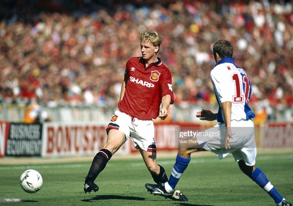 BT Sport, Football, pic: 1994, FA, Charity Shield at Wembley, Manchester United 2 v Blackburn Rovers 0, Manchester United's David May plays the ball past Blackburn Rovers' Jason Wilcox : News Photo