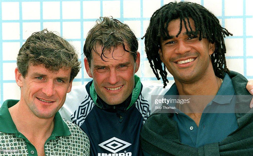 Sport. Football. pic: 1995. Chelsea pre - season training. Chelsea's, left - right, Mark Hughes, Glenn Hoddle, (Manager), and Ruud Gullit. : News Photo