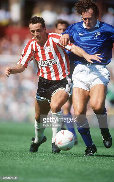 19th August 1989 Division 1 Southampton 1 v Millwall 2 Southampton's Barry Horne tries to hold off a challenge from Millwall's Terry Hurlock right