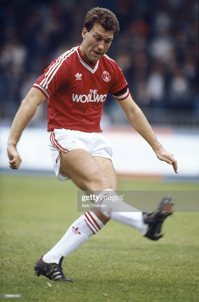 Sport. Football. pic: 19th September 1987. Division 1. Peter Shirtliff, Charlton Athletic. : News Photo