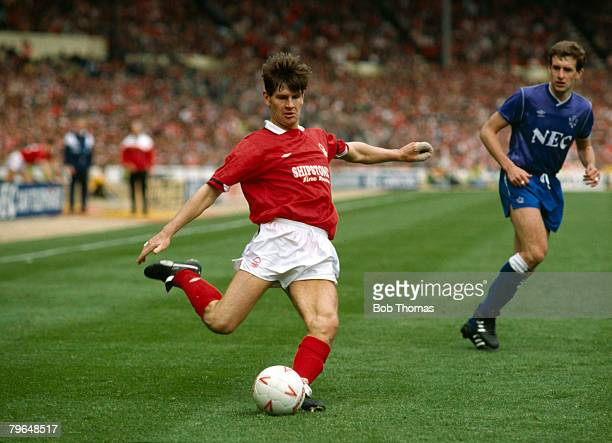 1st May 1989 Simod Cup Final at Wembley Everton 3 v Nottingham Forest 2 aet Nottingham Forest's Brian Laws on the ball watched by Everton's Kevin...