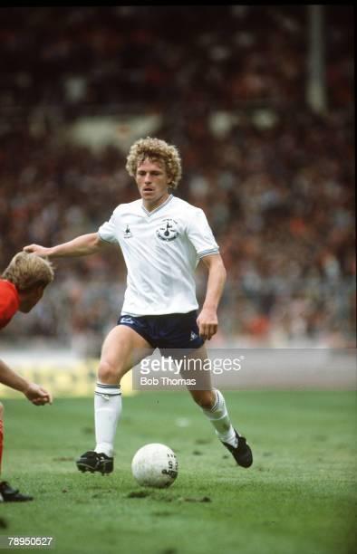 21st August 1982, FA,Charity Shield at Wembley, Liverpool 1, v Tottenham Hotspur 0, Tottenham Hotspur's Micky Hazard on the ball