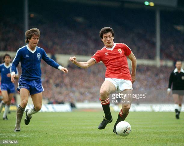 21st May 1983 FA Cup Final at Wembley Brighton and Hove Albion 2 v Manchester United 2 aet Manchester United striker Frank Stapleton moves to the...