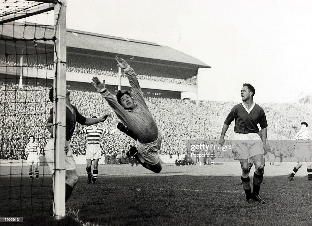 Sport, Football, pic: 21st October 1957, Scottish League Cup Final at Hampden Park, Glasgow, Celtic 7,v Rangers 1, Rangers' goalkeeper George Niven makes a spectacular save but was beaten 7 times in the match : News Photo