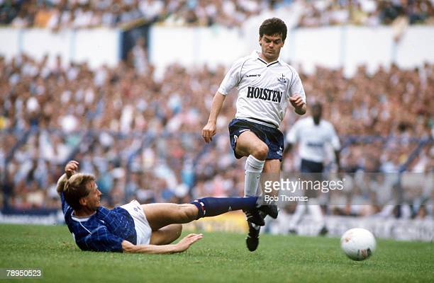 22nd August 1987 Division 1 Tottenham Hotspur 1 v Chelsea 0 Tottenham Hotspur's Steve Hodge stopped by an outstretched leg challenge from Chelsea...