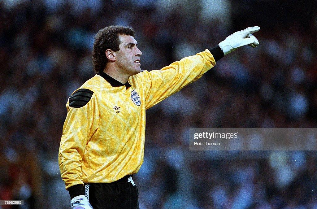 Sport. Football. pic: 22nd May 1990. Friendly International . Wembley. England (1) vs. Uruguay (2). Peter Shilton. England. : News Photo