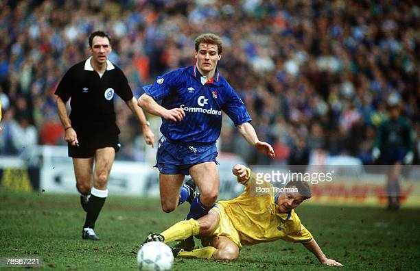 24th February 1991 Rumbelows Cup SemiFinal ist Leg Chelsea 0 v Sheffield Wednesday 2 Chelsea's Gordon Durie moves away from a challenge from...