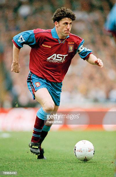 24th March 1996, Coca Cola Cup Final at Wembley, Aston Villa 3 v Leeds United 0, Andy Townsend, Aston Villa captain, Andy Townsend a Republic of...
