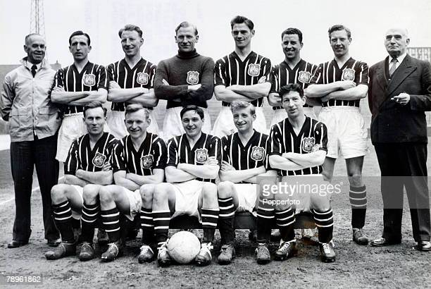 25th April 1956 The Manchester City team that played in the 1956 FA Cup Final beating Birmingham City 31 Back row leftright LBarnett Ken Barnes Dave...