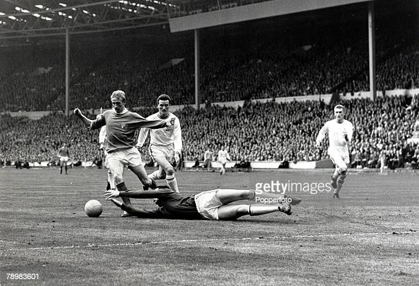 25th May 1963 1963 FA Cup Final at WembleyManchester United 3v Leicester City 1 Leicester City goalkeeper Gordon Banks at full stretch to save at the...