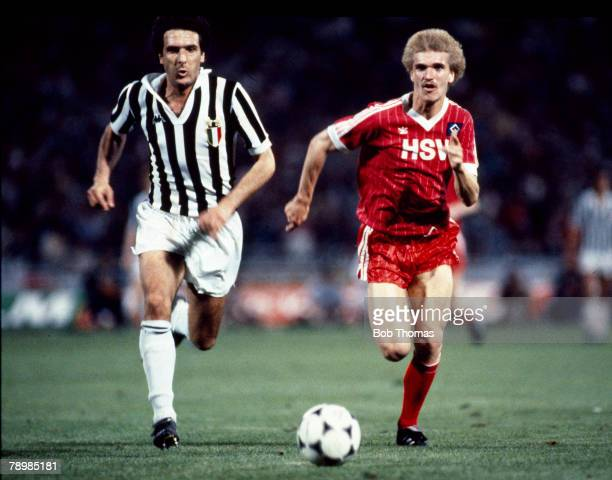 25th May 1982 European Cup Final SV Hamburg 1 v Juventus 0 Gaetano Scirea left Juventus in a race for the ball with Hamburg's Thomas Van Heeson