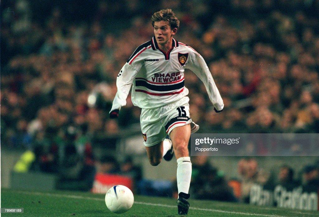 Sport. Football. pic: 25th November 1998. UEFA Champions League. Barcelona 3 v Manchester United 3. Jesper Blomqvist, Manchester United. : News Photo