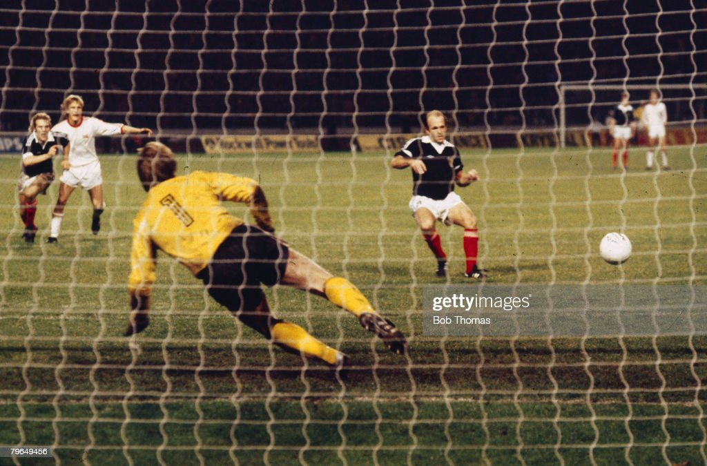 BT Sport, Football, pic: 25th October 1978, European Championship Qualifier, Scotland 3 v Norway 2, Scotland's Archie Gemmill scores the winning goal from the penalty spot : News Photo