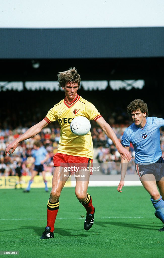 Sport. Football. pic: 25th September 1982. Division 1. Watford 8 v Sunderland 0. Watford's Ross Jenkins on the ball as Sunderland's Rob Hindmarch looks on. : News Photo