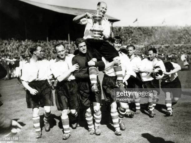 26th April 1947 FA Cup Final at Wembley Charlton Athletic 1 v Burnley 0 Charlton Athletic captain Don Welsh is carried around the pitch by jubilant...