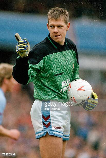 26th December 1989 Division 1 Aston Villa goalkeeper Nigel Spink Nigel Spink played for Aston Villa 19771996 and won 1 solitary England international...