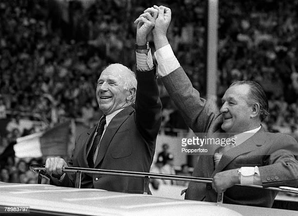26th March 1983, 1983 Milk Cup Final at Wembley, Liverpool 2, v Manchester United 1, Manchester United elder statesman Sir Matt Busby, left, with...
