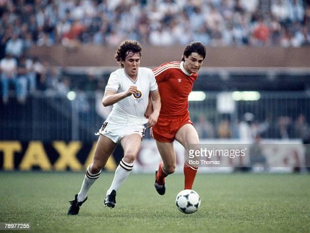 26th May 1982 European Cup Final in Rotterdam Aston Villa 1 v Bayern Munich 0 Aston Villa's Gary Williams left in a race for the ball with Bayern...