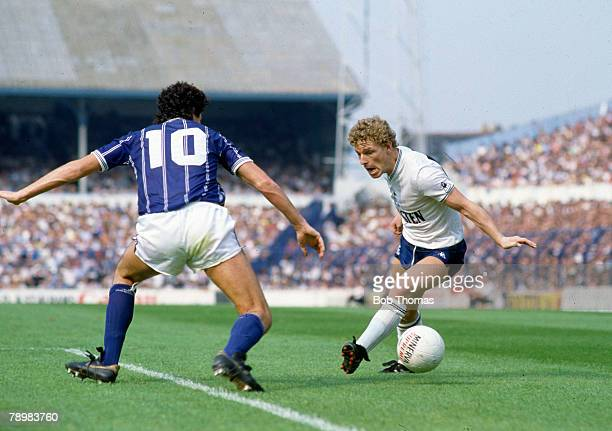 27th August 1984 Division 1 Tottenham Hotspur 2 v Leicester City 2 Tottenham Hotspur's Mike Hazard takes on Leicester City's Paul Ramsey