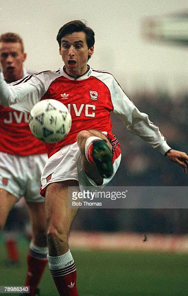 27th January 1991 FA Cup 4th Round Arsenal 0 v Leeds United 0 Arsenal striker Alan Smith trying to control a bouncing ball